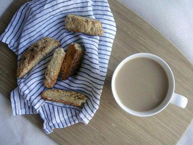 Vanilla Almond Biscotti | York Avenue