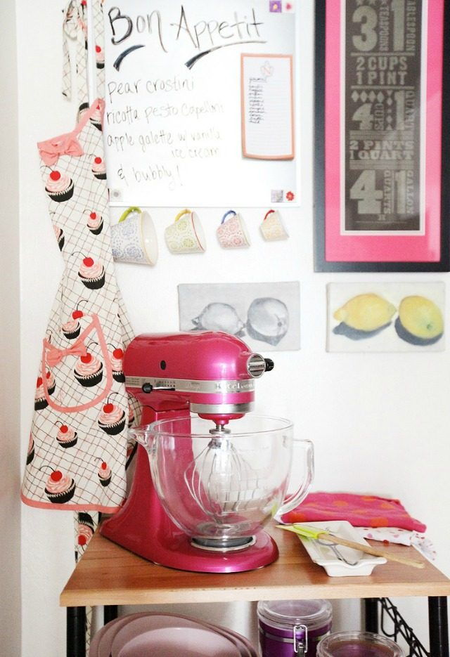 Nikki Rappaports Kitchen via The Everygirl   York Avenue