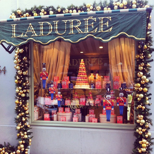 Christmas at ladur e york avenue for Laduree christmas
