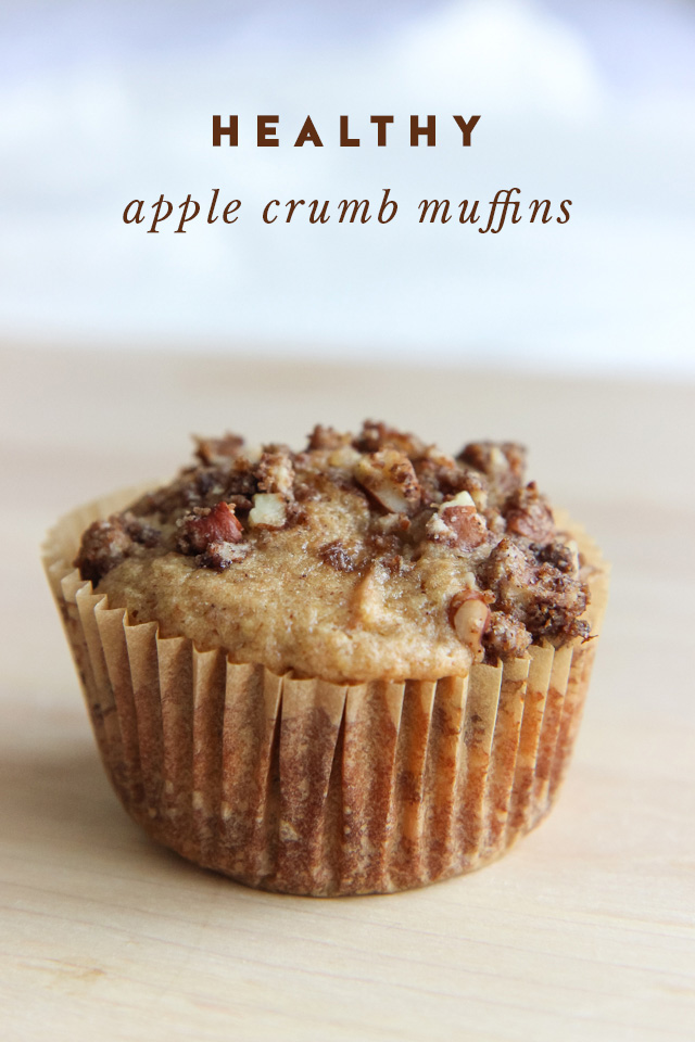 healthy-apple-crumb-muffins-9104