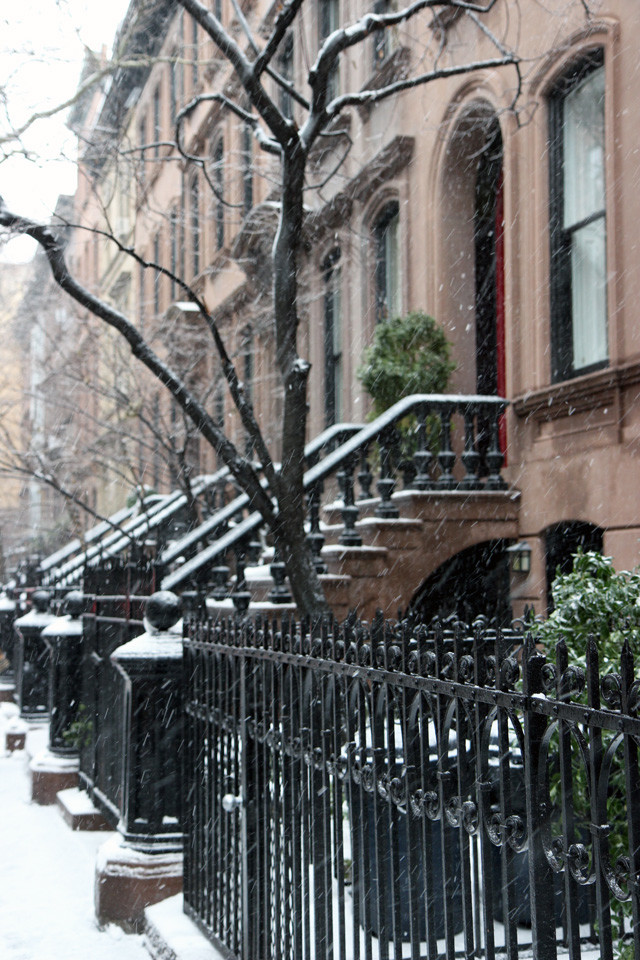 snowy-west-village-6-640x960