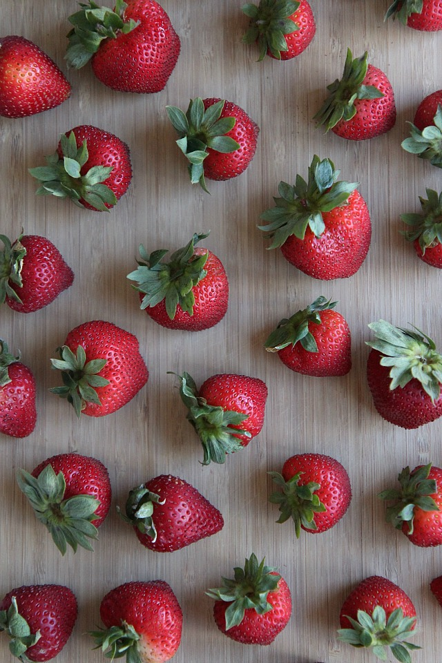 strawberry crisp bars