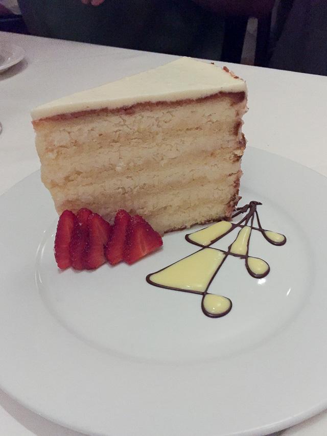 Planters-Inn-coconut-cake-1325