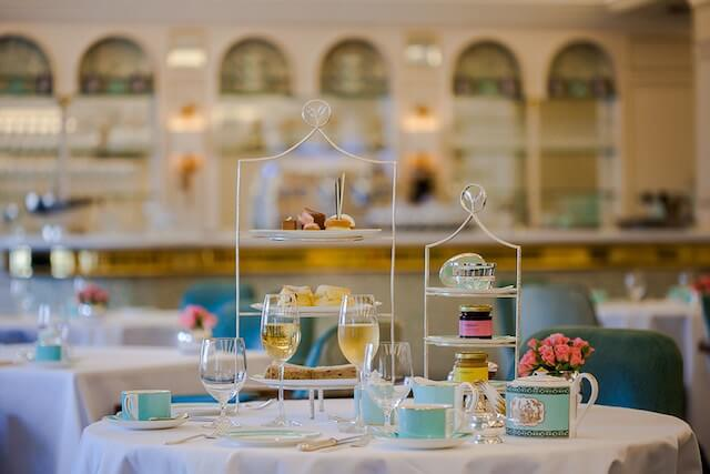 fortnum-and-mason-afternoon-tea-conde-nast-traveller-25april16-pr_1080x720