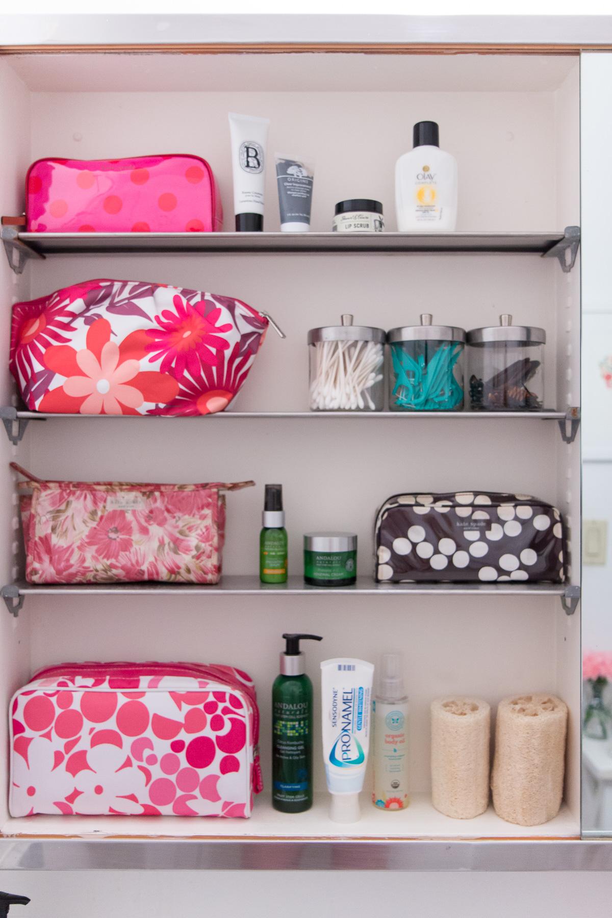 How to Organize a Small Bathroom - York Avenue