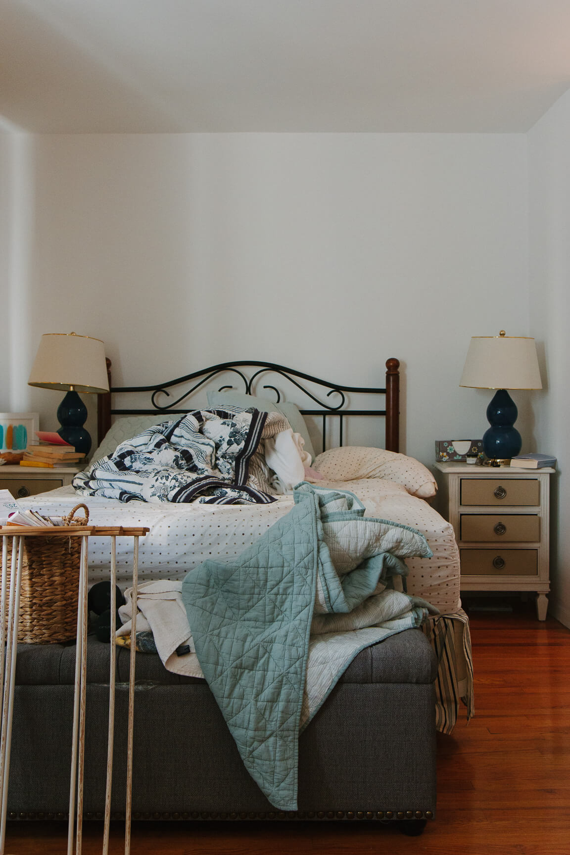 Jacqueline Clair does a makeover on her sister's bedroom: this is the before. Check out the after!