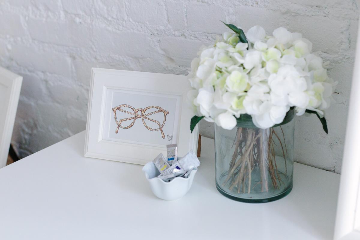 nyc-studio-apartment-white-brick-wall-5804