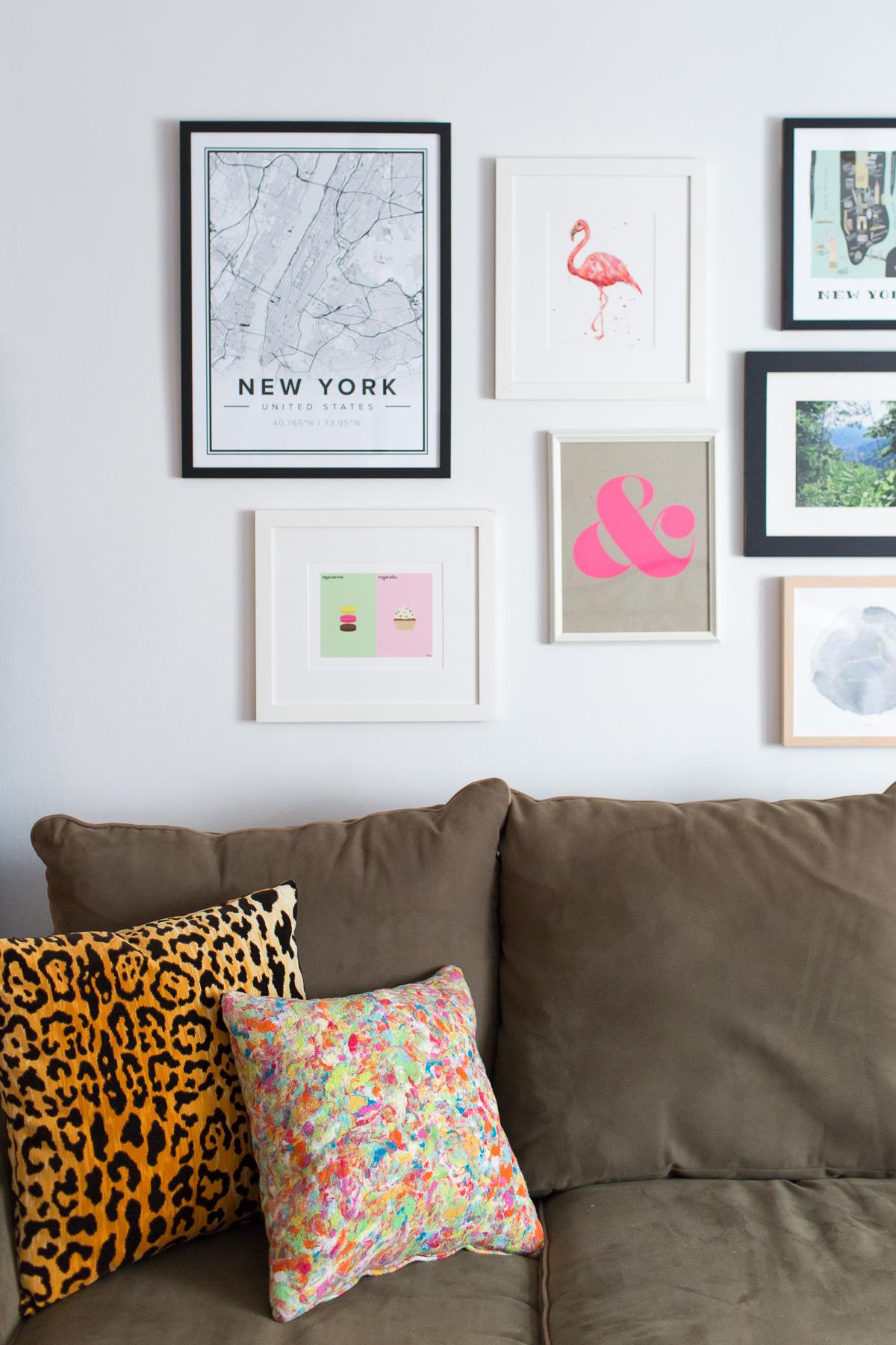studio-apartment-gallery-wall-5417