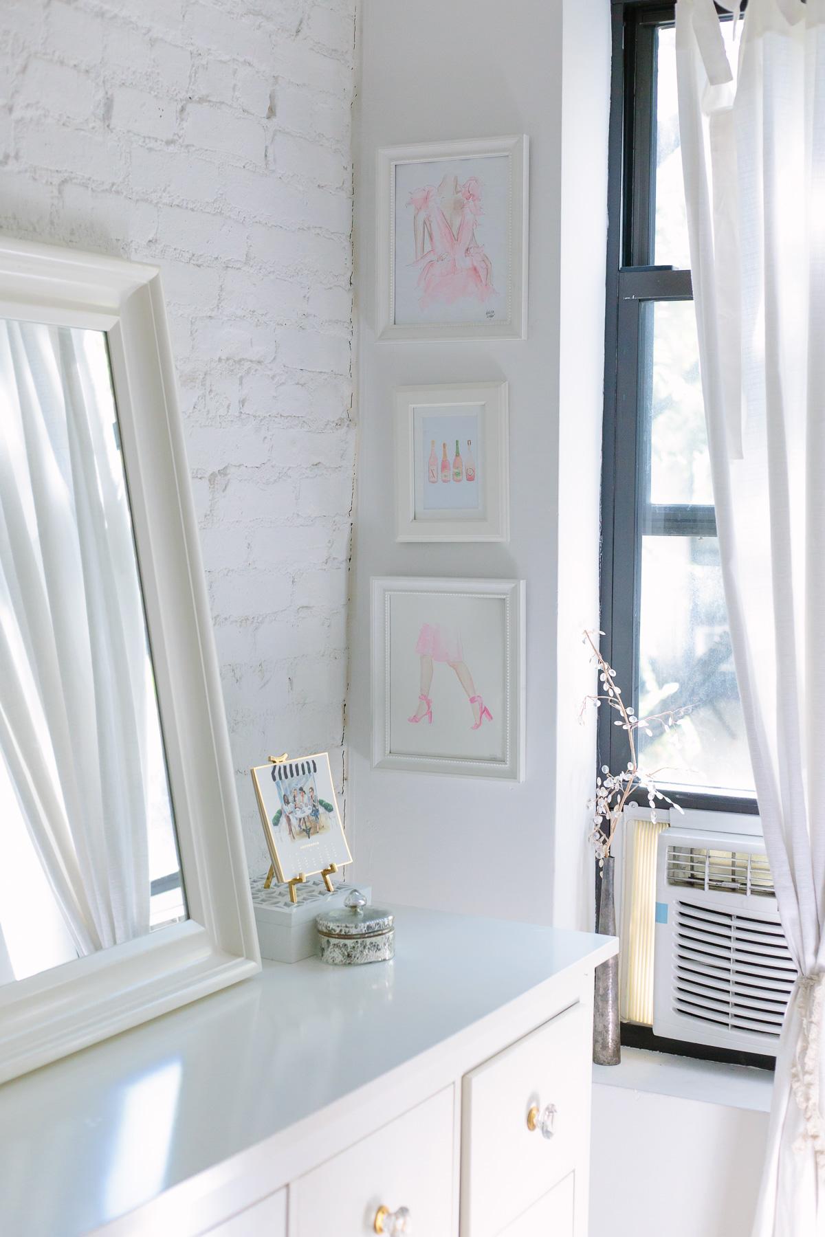 nyc-studio-apartment-white-brick-wall-5887
