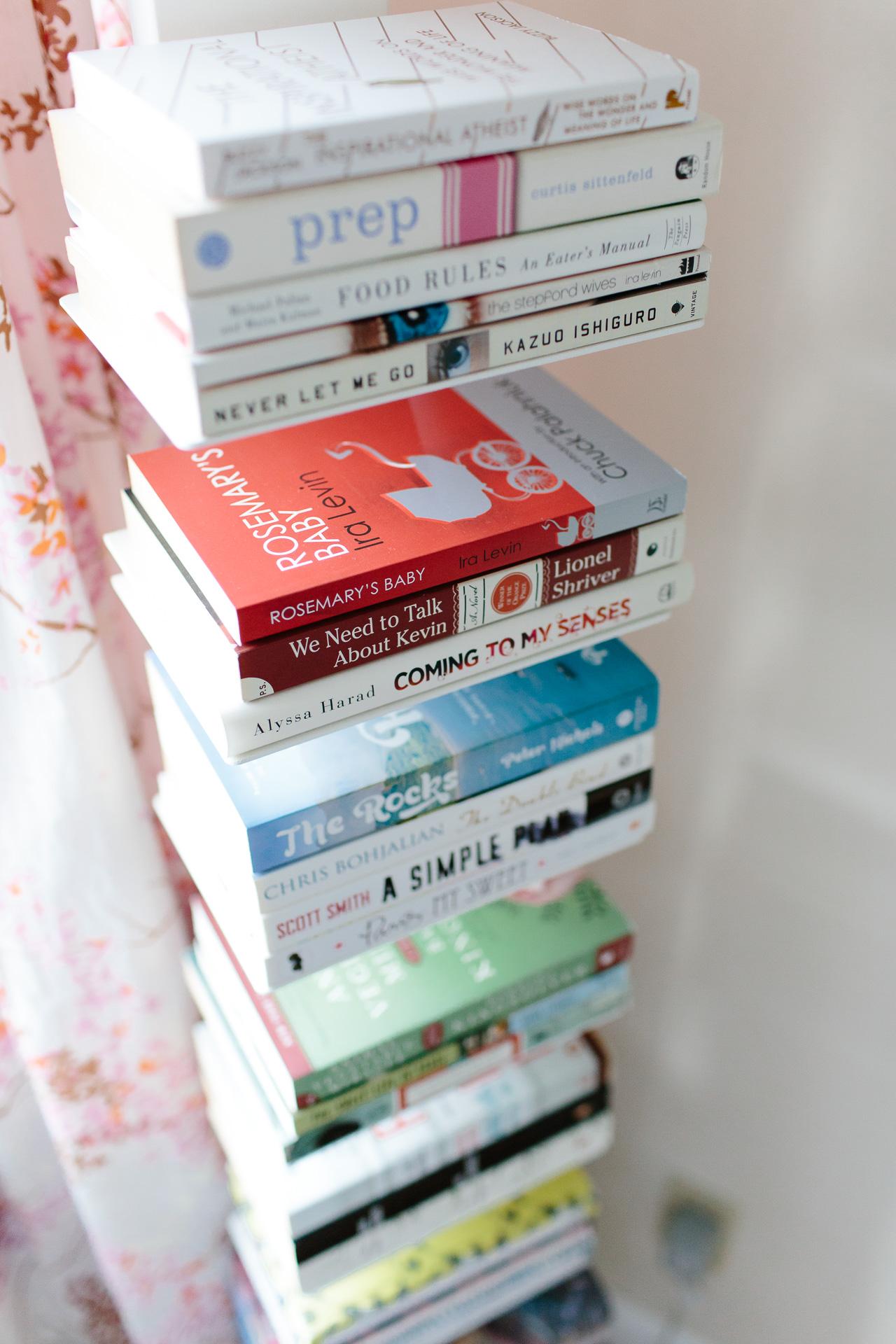 vertical-bookshelf-3409