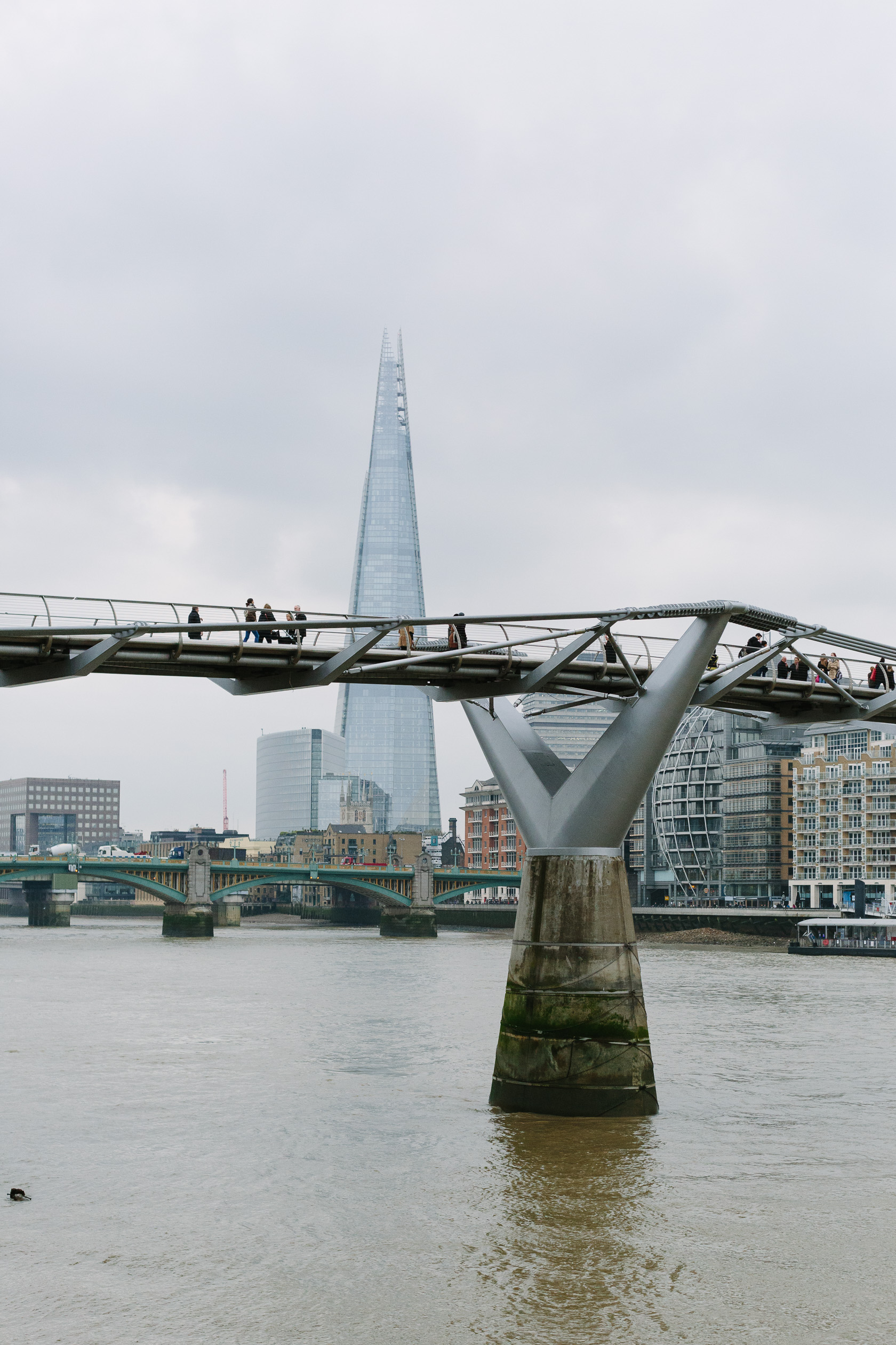 millennium-bridge-and-the-shard-4312