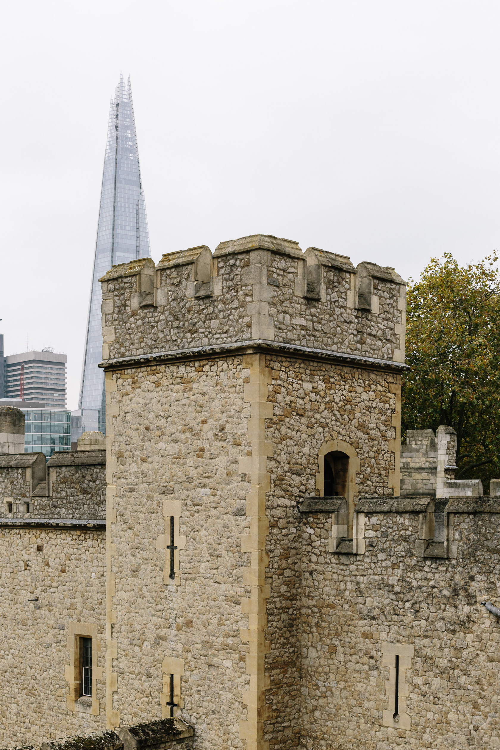 tower-of-london-and-the-shard-4378