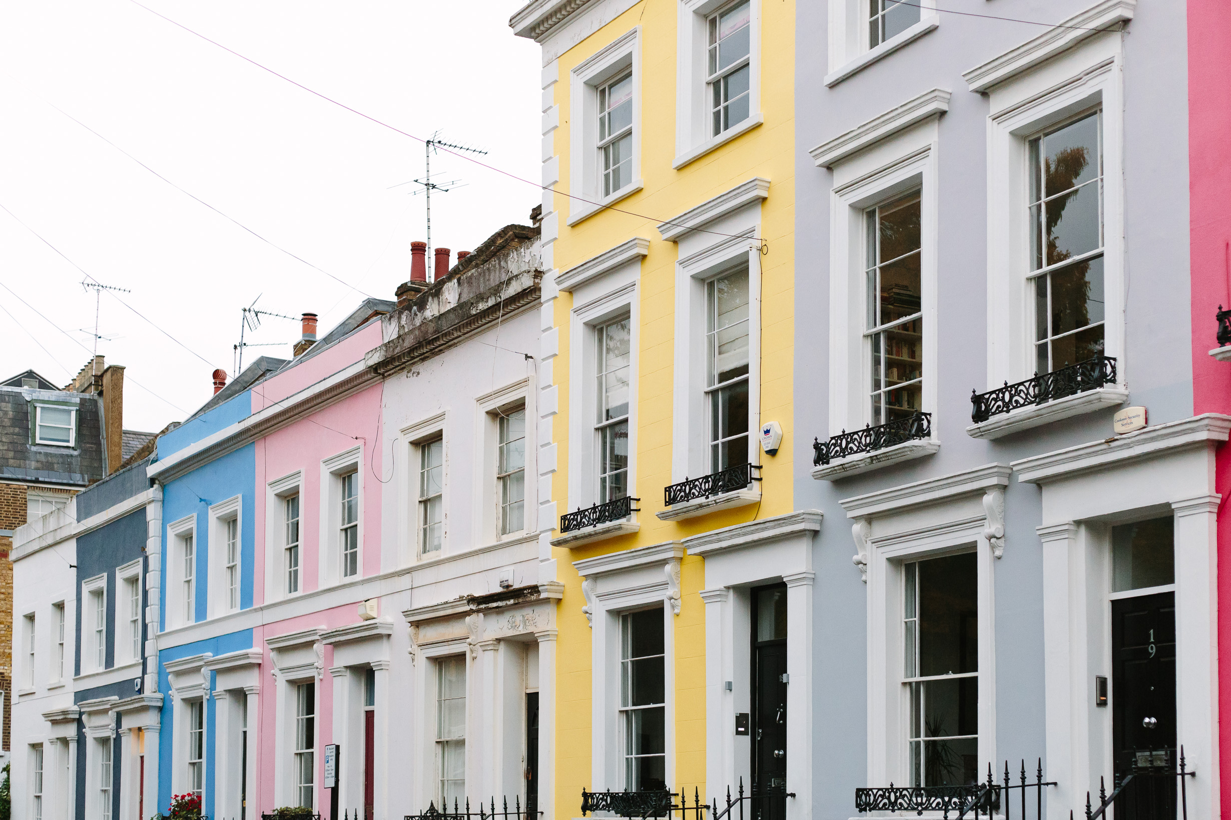 colorful-houses-in-notting-hill-4781