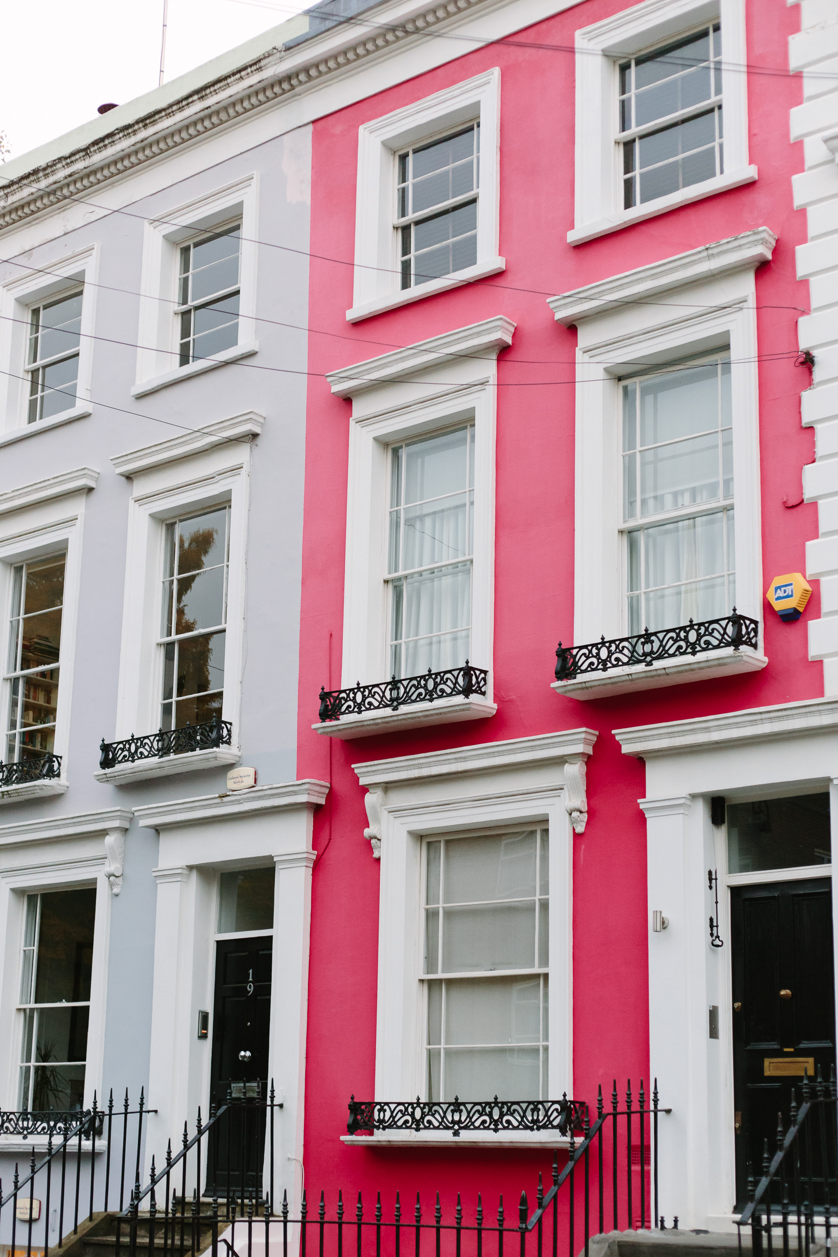 colorful-houses-in-notting-hill-4782