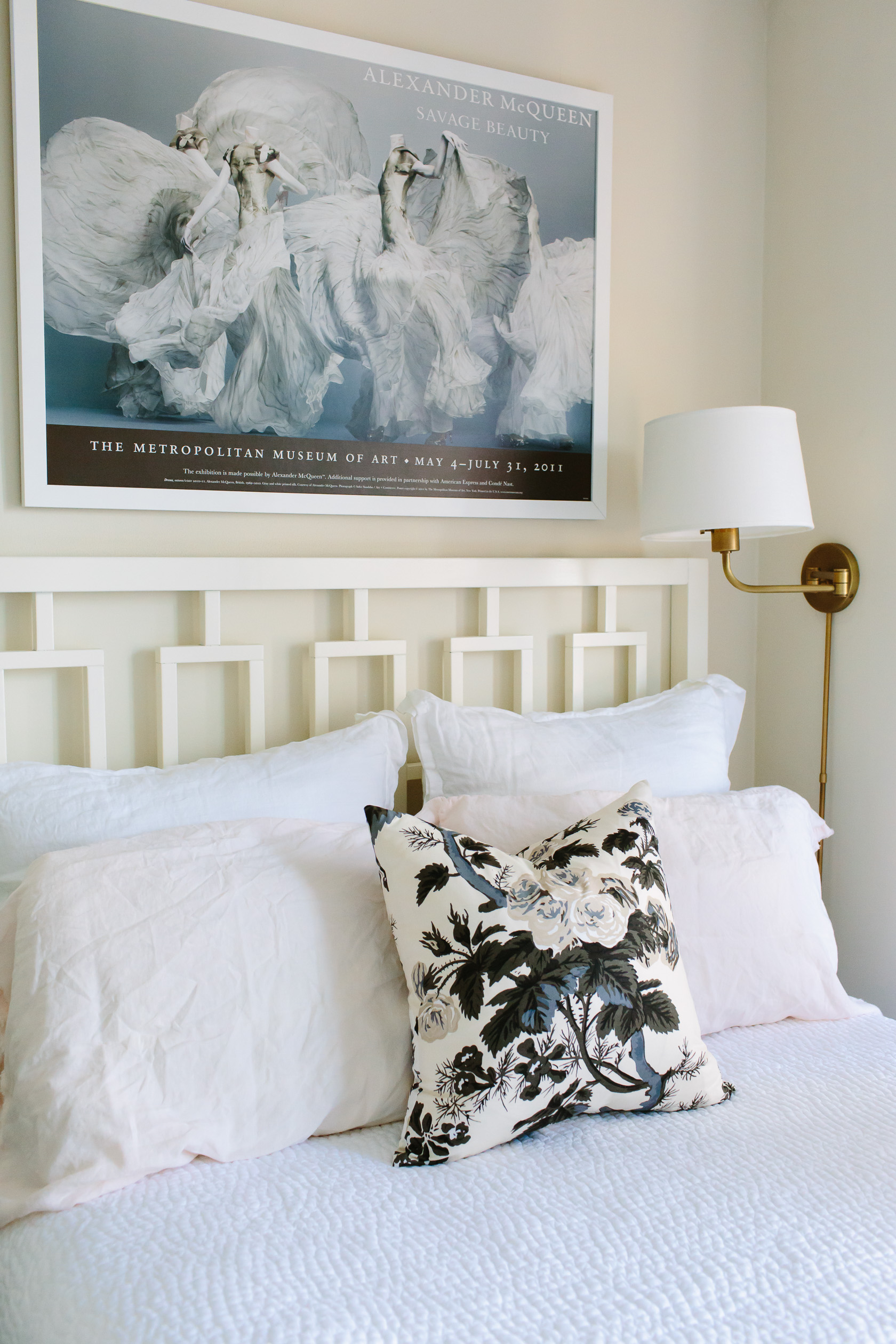 NYC studio apartment home tour featured by top US interior design York Avenue: bedroom side