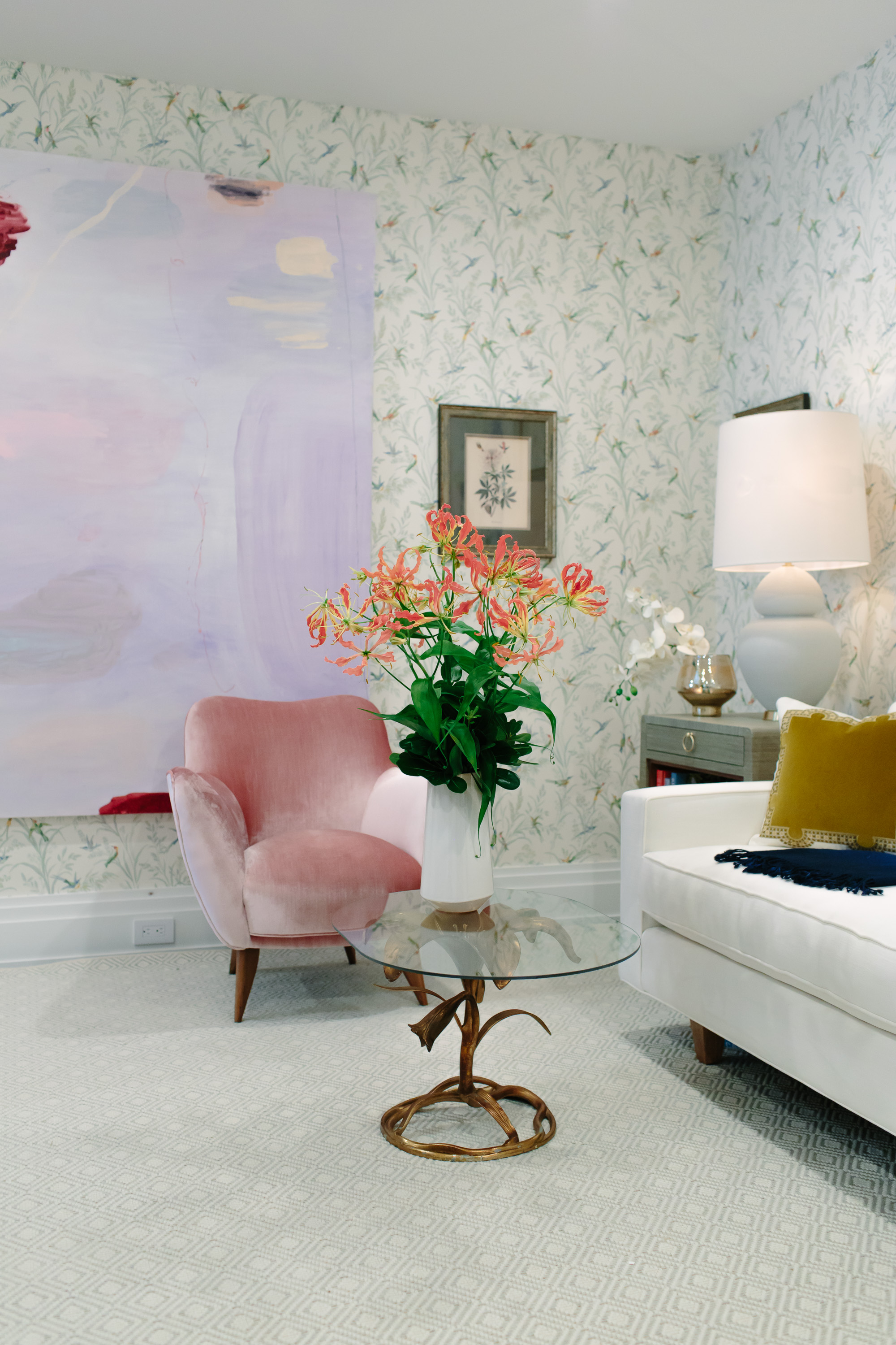 2017 hampton designer showhouse the lounge by east end home co where it was of course even more beautiful than online that mixed with the wall treatment just did me in it could not get more perfect than that as