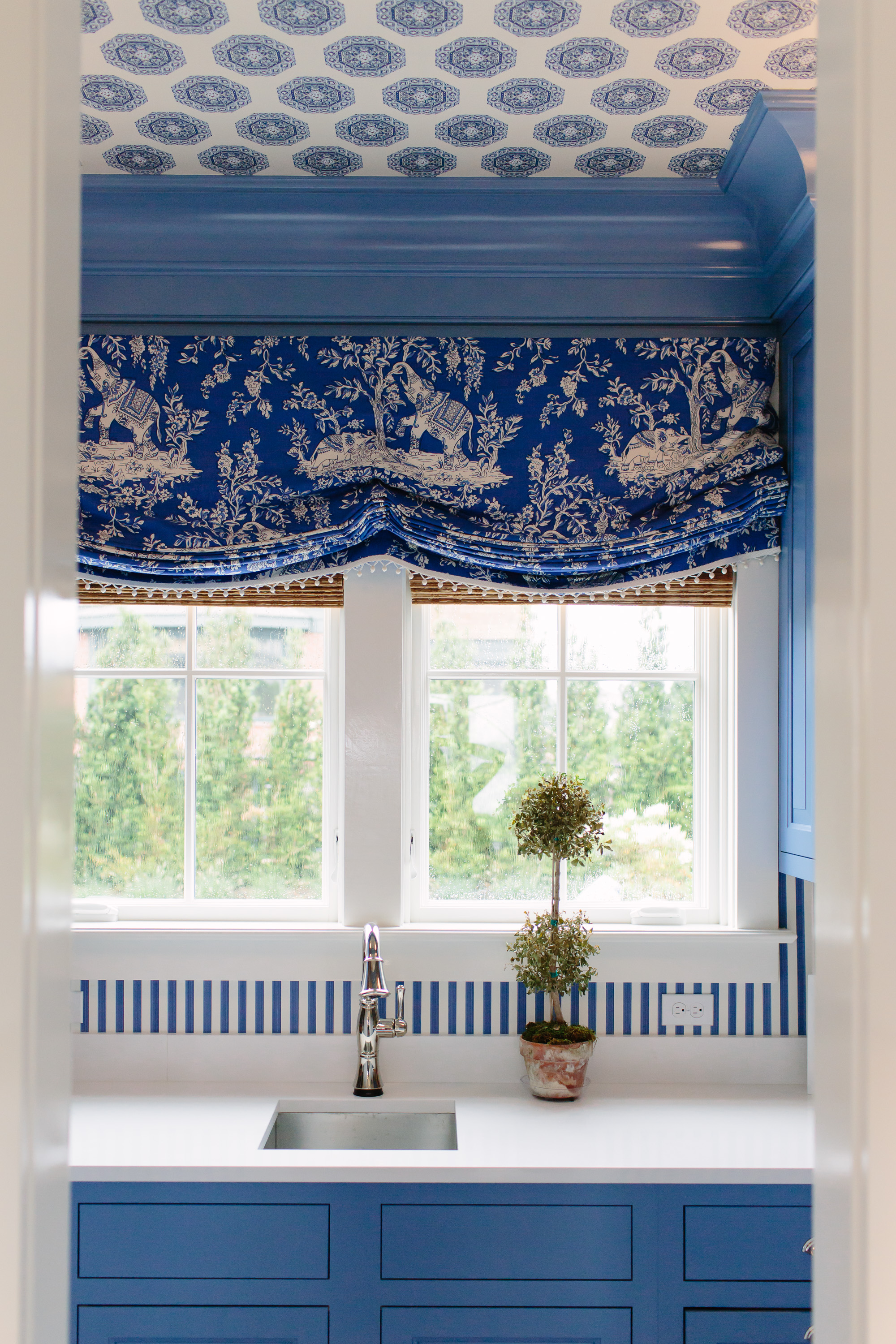 I Love The Wallpaper And The Papered Ceiling Is Such A Fun Surprise. It  Works So Well To Highlight The Trim.