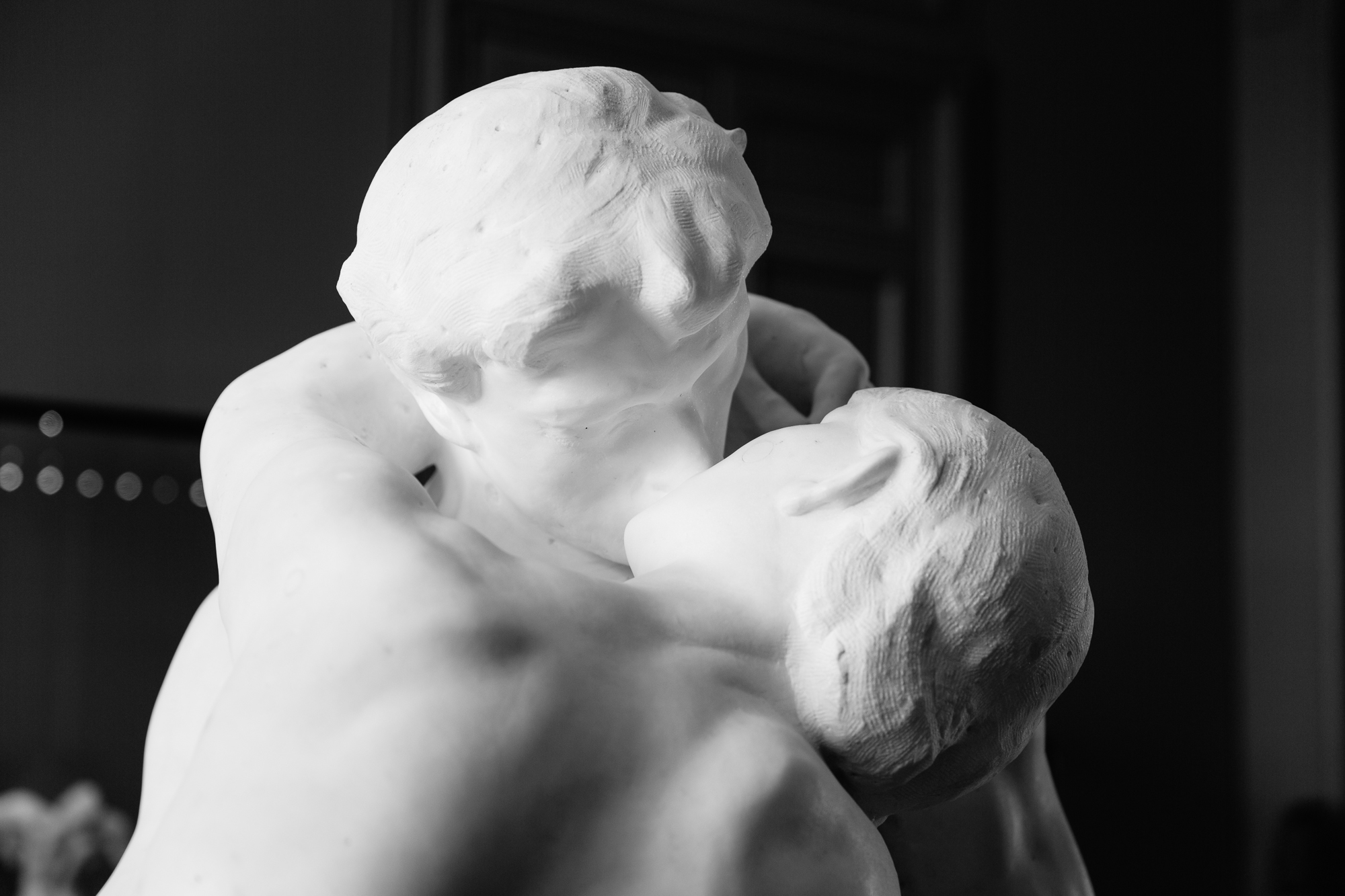 The Kiss statue at Musee Rodin