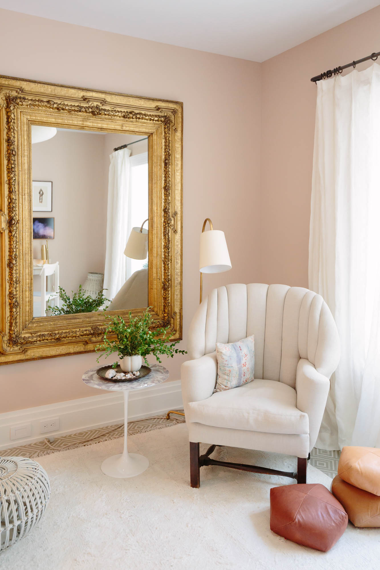 2019 Hampton Designer Showhouse featured by top US style blog, York Avenue: image of Carter Design room at the 2019 Hampton Designer Showhouse