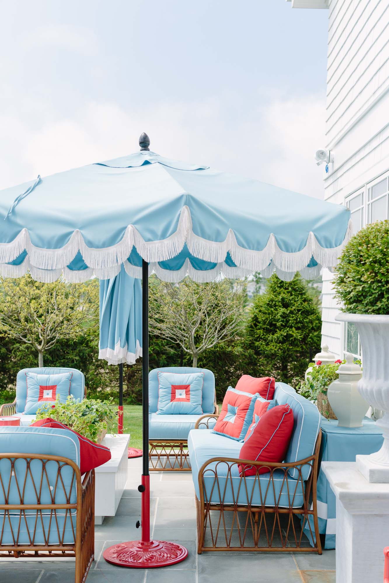 2019 Hampton Designer Showhouse featured by top US style blog, York Avenue: image of Danielle D. Rollins outdoor space at the 2019 Hampton Designer Showhouse